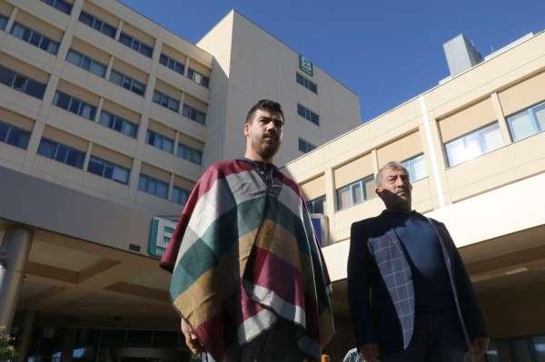 Akdeniz Üniversitesi Hastanesi'nde çift kol nakli olan Yusuf Şimşek taburcu oldu