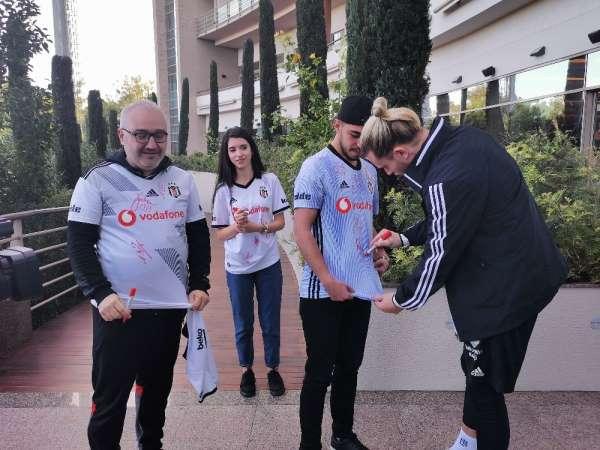 Karakartallılar, Beşiktaş'ı Antalya kampında ziyaret etti