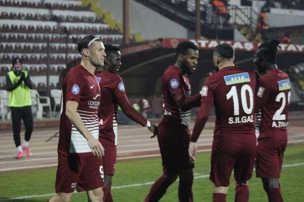 Süper Lig: A. Hatayspor: 2 - Beşiktaş: 2 (İlk yarı)