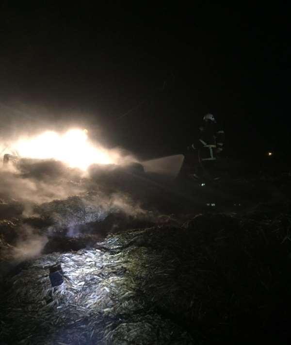 Suluova'da 100 ton saman yandı