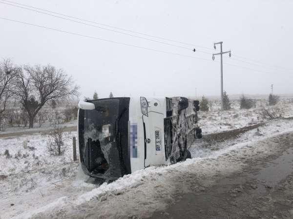 Konya da 2 tur otobüsü kaza yaptı: 1 ölü, 40dan fazla yaralı