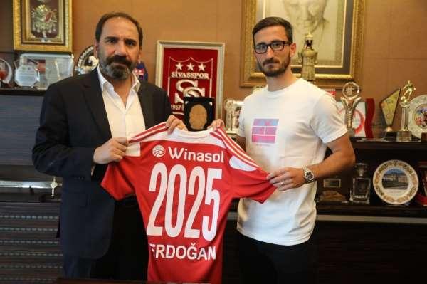 Erdoğan Yeşilyurt, 5 yıl daha Sivasspor'da