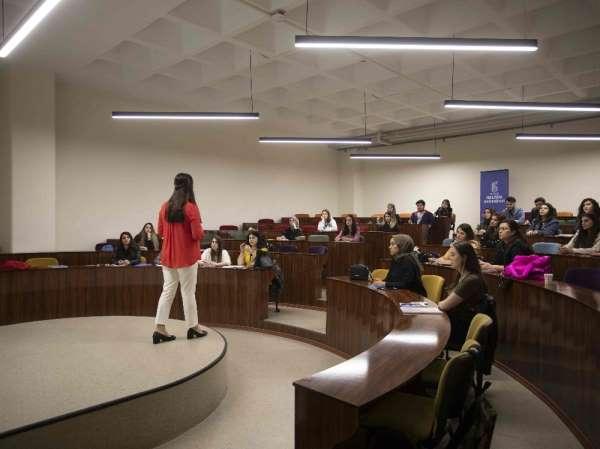 'Üniversiteler bireylerin değerlerini de şekillendiriyor'