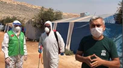 Amasya'dan toplanan yardımlarla İdlib'deki çadırlar ilaçlandı