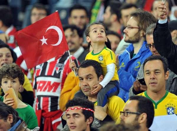 Milliler, bin 796 gün sonra Kadıköy'de