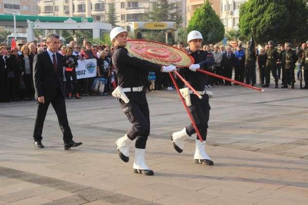 Atatürk ölümünün 81. yılında Edremit'te de anıldı
