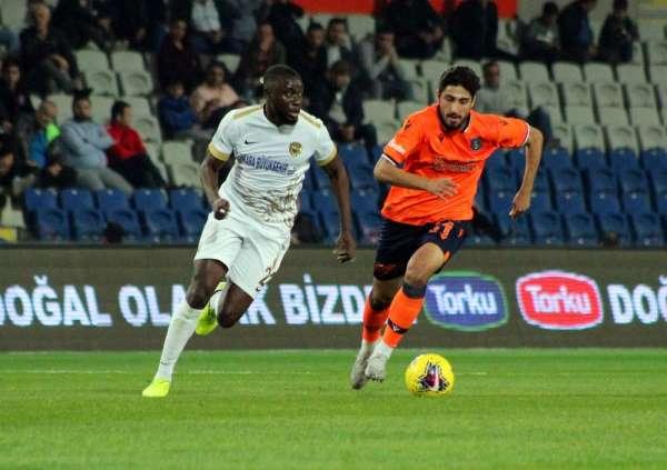 Süper Lig: Medipol Başakşehir: 1 - MKE Ankaragücü: 0 (İlk yarı)
