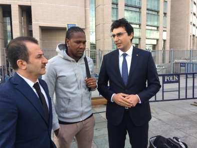 Trabzonsporlu ünlü futbolcu Rodallega'ya dolandırıcı şoku