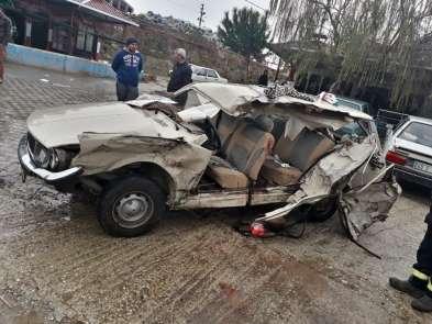 Manisa'da trafik kazası: 1 ölü, 6 yaralı