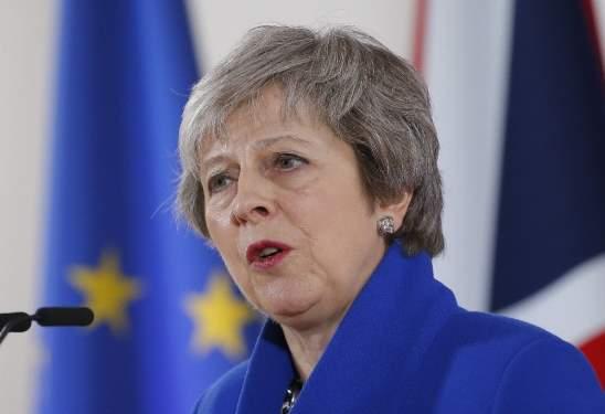 Theresa May: Brexit oylaması ertelendi
