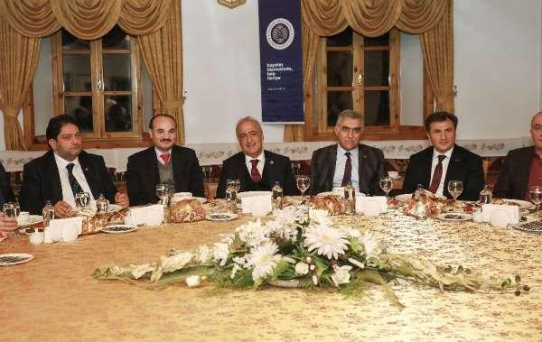 Atatürk Üniversitesi Danışma Kurulu Üyeleri bir araya geldi