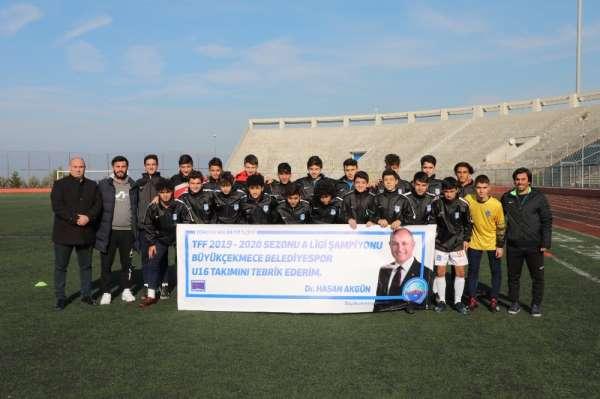 Şampiyon Büyükçekmece Belediyespor