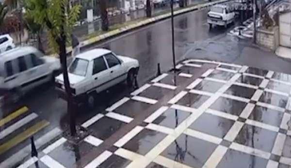 Yaşlı kadının öldüğü feci kaza kamerada