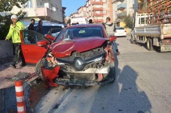 Zincirleme trafik kazası, 1'i çocuk 3 yaralı