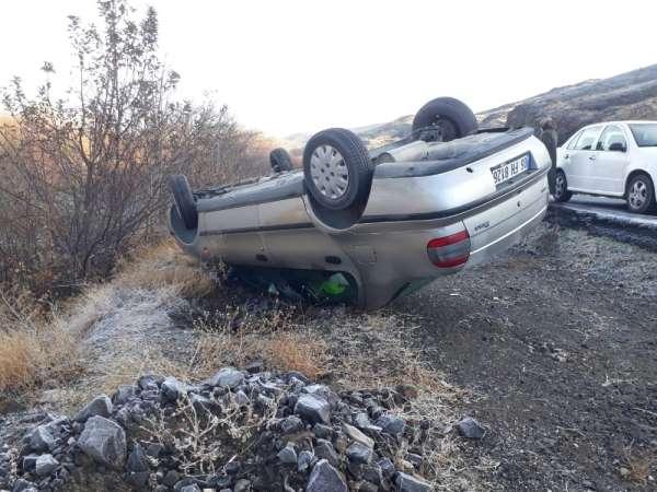 Buzlanma nedeniyle meydana gelen iki ayrı kazada 1 kişi yaralandı