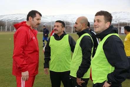 Sivasspor ile il protokolü dostluk maçı yaptı
