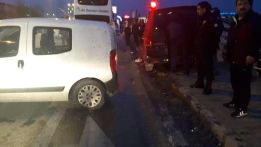 Zincirleme trafik kazası: 1 yaralı