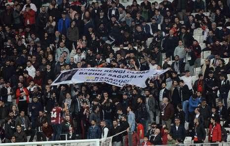 Beşiktaş tribünlerinden Ankaragücü'ne destek