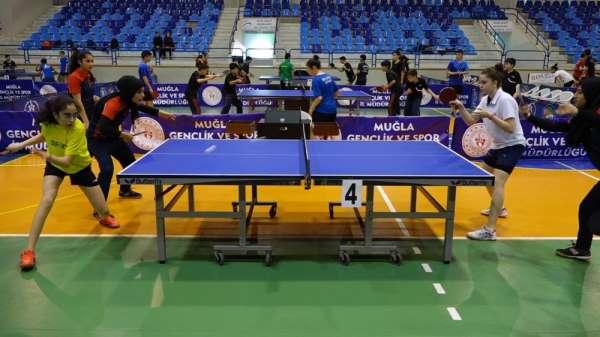 Masa Tenisi Yıldız Erkekler ve Kızlar Türkiye Birinciliği müsabakaları Marmaris'