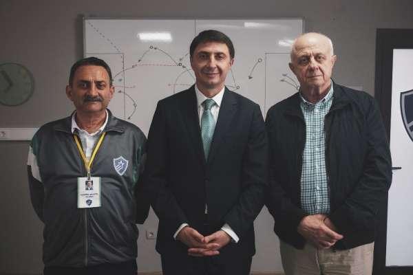 Trabzonspor'un efsane golcüsü BiP için babasıyla kameraların karşısına geçti