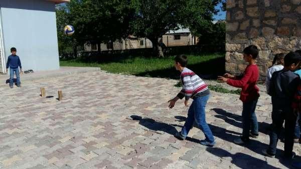 Köy okulu öğrencilerinin yeni spor dalı birincilik getirdi