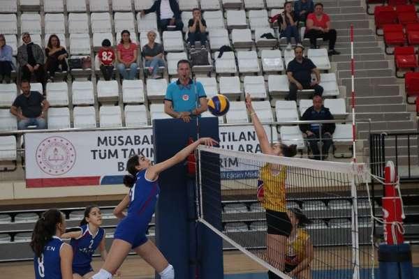 Yıldız Kızlar Türkiye Şampiyonası devam ediyor