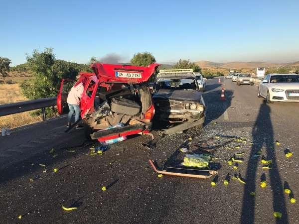 Kula'da zincirleme kaza: 2 yaralı