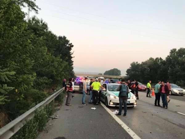 TEM Otoyolunda zincirleme trafik kazası: 6 yaralı