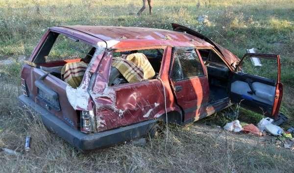 Kabir ziyaretinden dönen aile kaza yaptı: 6 yaralı