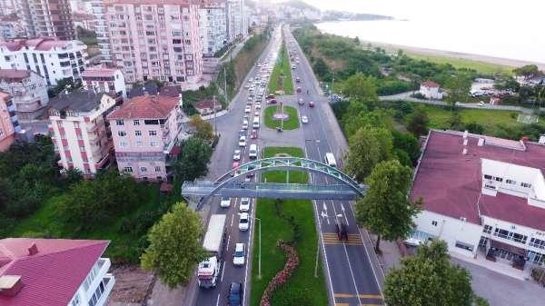 Karadeniz Sahil Yolu'nda bayram yoğunluğu
