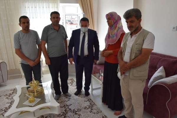 Başkan Beyoğlu evladını terör örgütünden kurtaran fedakar anne ile görüştü