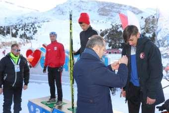 Kayakla Oryantiring Türkiye Şampiyonasında dereceye giren sporculara madalyaları