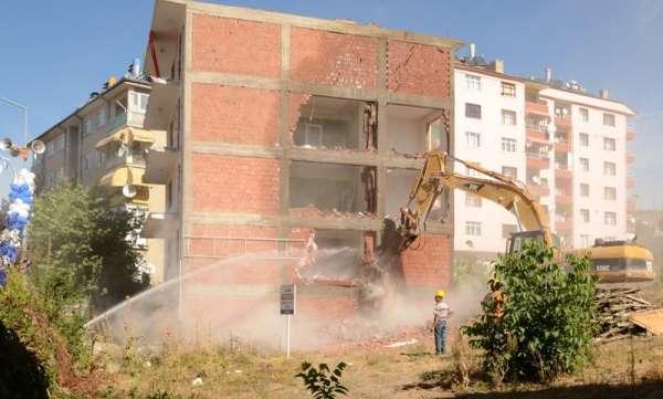 Tokat'ta 7 yılda 2 bin 19 riskli bina, 138 iş yeri yıkıldı