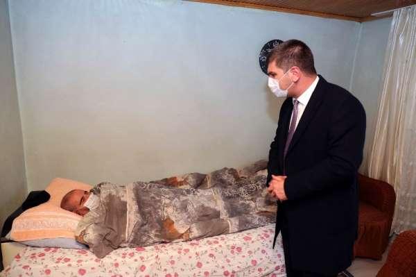 Başkan Ercengizden kaza sonucu engelli kalan vatandaşa tekerlekli sandalye desteği