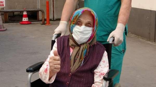 84 yaşındaki felçli kadın korona virüsünü yendi