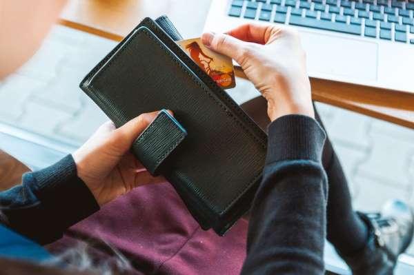 Kartlı harcamalar bir haftada yüzde 18 arttı