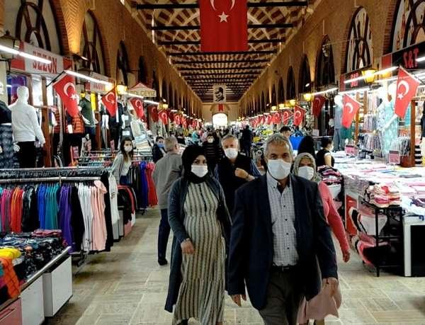 Osmanlı mirası tarihi çarşılarda hayat yeniden başladı, esnaf dükkanlarını açtı