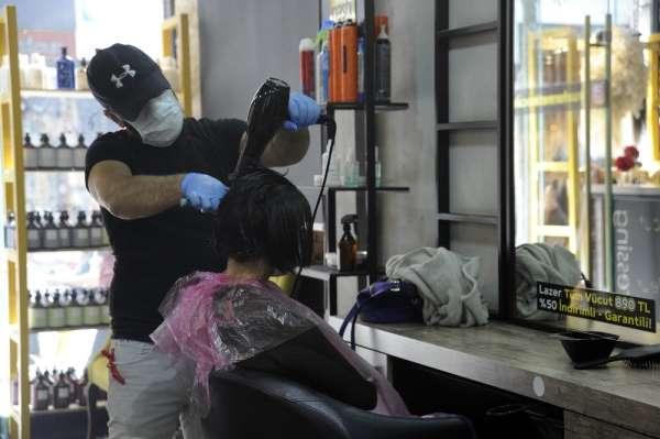 Saç kesiminde tek kullanımlık malzemeler fiyat çizelgesine yansıdı
