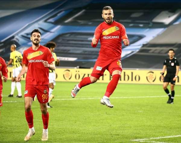 Adem Büyükün 15 golünün 9u penaltıdan