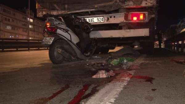 Avcılarda feci kaza...Motosiklet tıra arkadan çarptı:1 ölü 1 yaralı