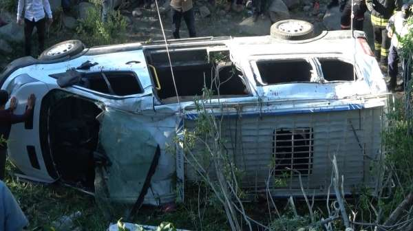 Bingöldeki minibüs kazasındı 1 kişi hayatını kaybetti