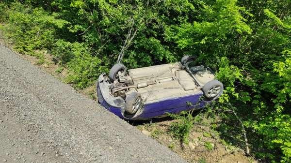 Samsunda otomobil takla attı: 3 yaralı