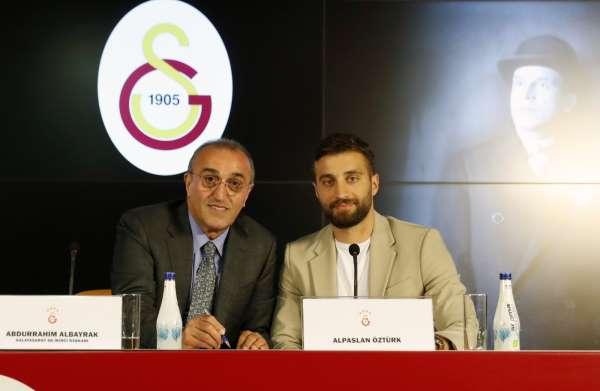 Alpaslan Öztürk: Galatasaraya istendiğimi hissederek geldim