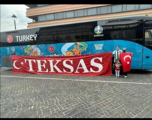 Bursaspor taraftarı Milli Takımı Romada destekliyor