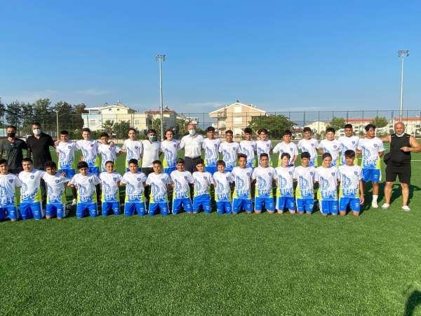 Futbolculardan Başkan Atabaya galibiyet sözü