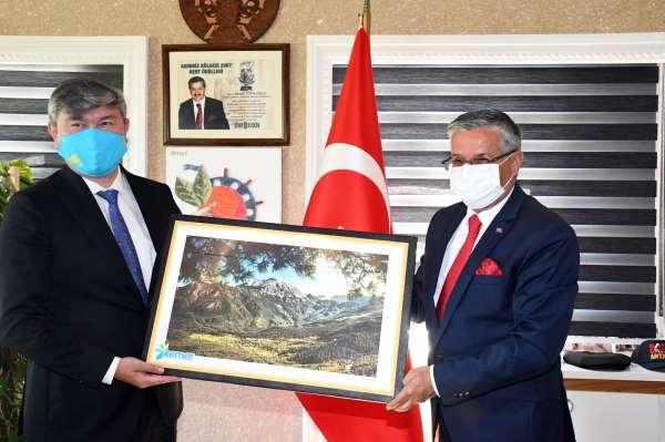 Kazakistan Büyükelçisi Saparbekuly: Türkiye, Kazaklar için bir numaralı destinasyondur
