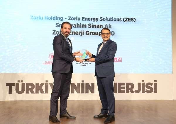 Zorlu Enerjinin ZES markası Enerjimiz Geleceğimiz ödülünü aldı