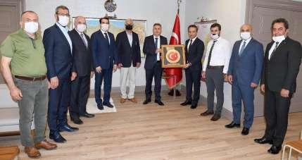 Karslıoğlu: 'Adana'da kamu yatırımları hız kesmeden devam ediyor'