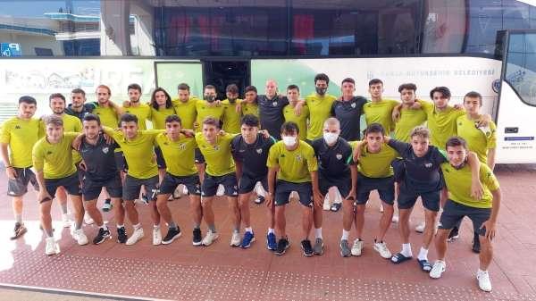 Bursasporun gençleri A takımı Afyonda ziyaret etti
