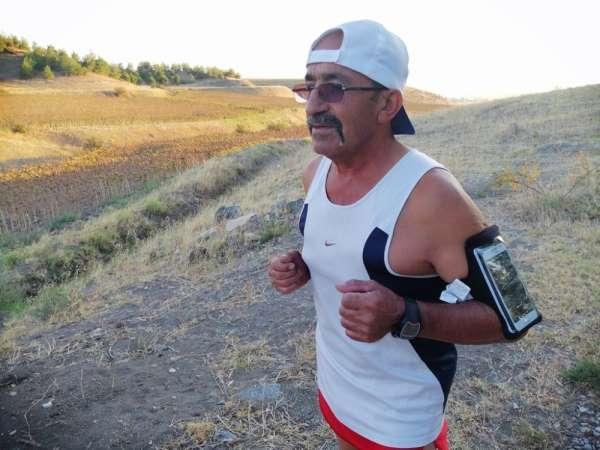 Eşi 'sen yapamazsın' dedi, o ise 20 yıldır günde 20 kilometre koşuyor
